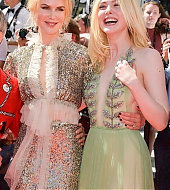 elle fanning, how to talk to girls at parties, premiere, cannes