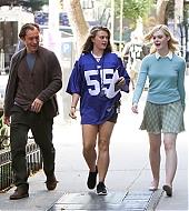 elle fanning, jude law, woody allen, new york, set, candids, september 28 2017