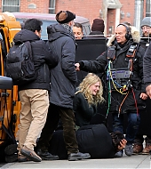 elle fanning, candids, january 2019, molly, on set